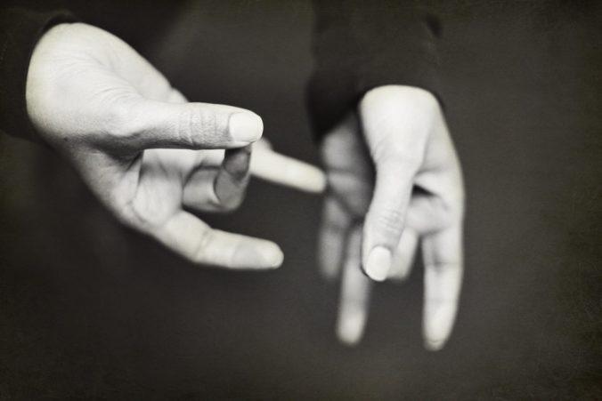 Sordos o sordomudos: uso correcto del lenguaje inclusivo