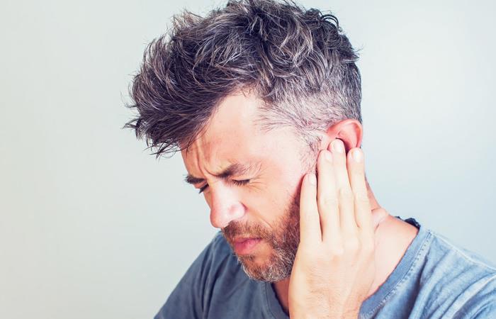 Una acufenometría es un examen auditivo que permite identificar y medir los diferentes parámetros a los que se enfrenta un paciente con acúfenos o tinnitus.