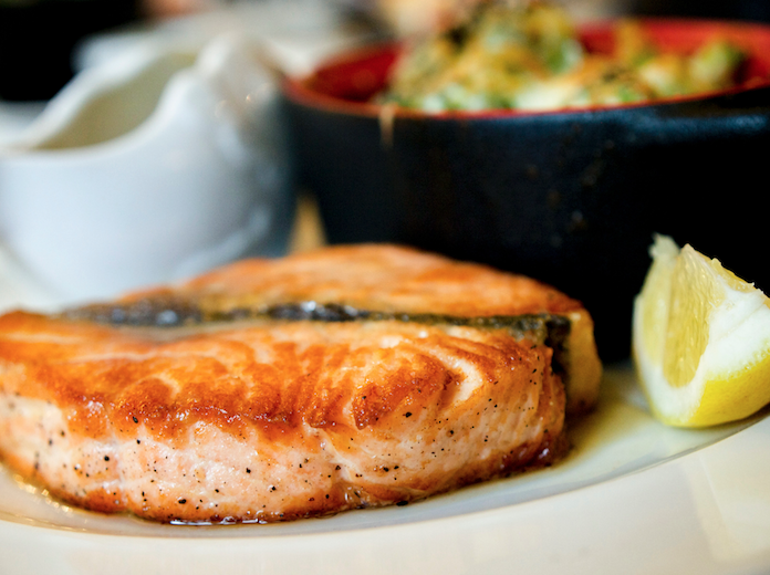 Alimentación para cuidar nuestra audición: omega 3, ácido fólico y vitamina C.